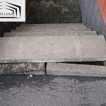 Просадка грунта под ступенями входа в подвал