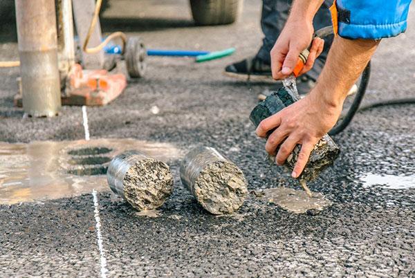 Испытание кернов бетона